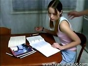 Русские парень и девушка на столе