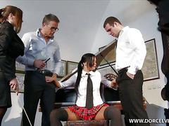 Виктория с радостью выступила в роли сексуального объекта